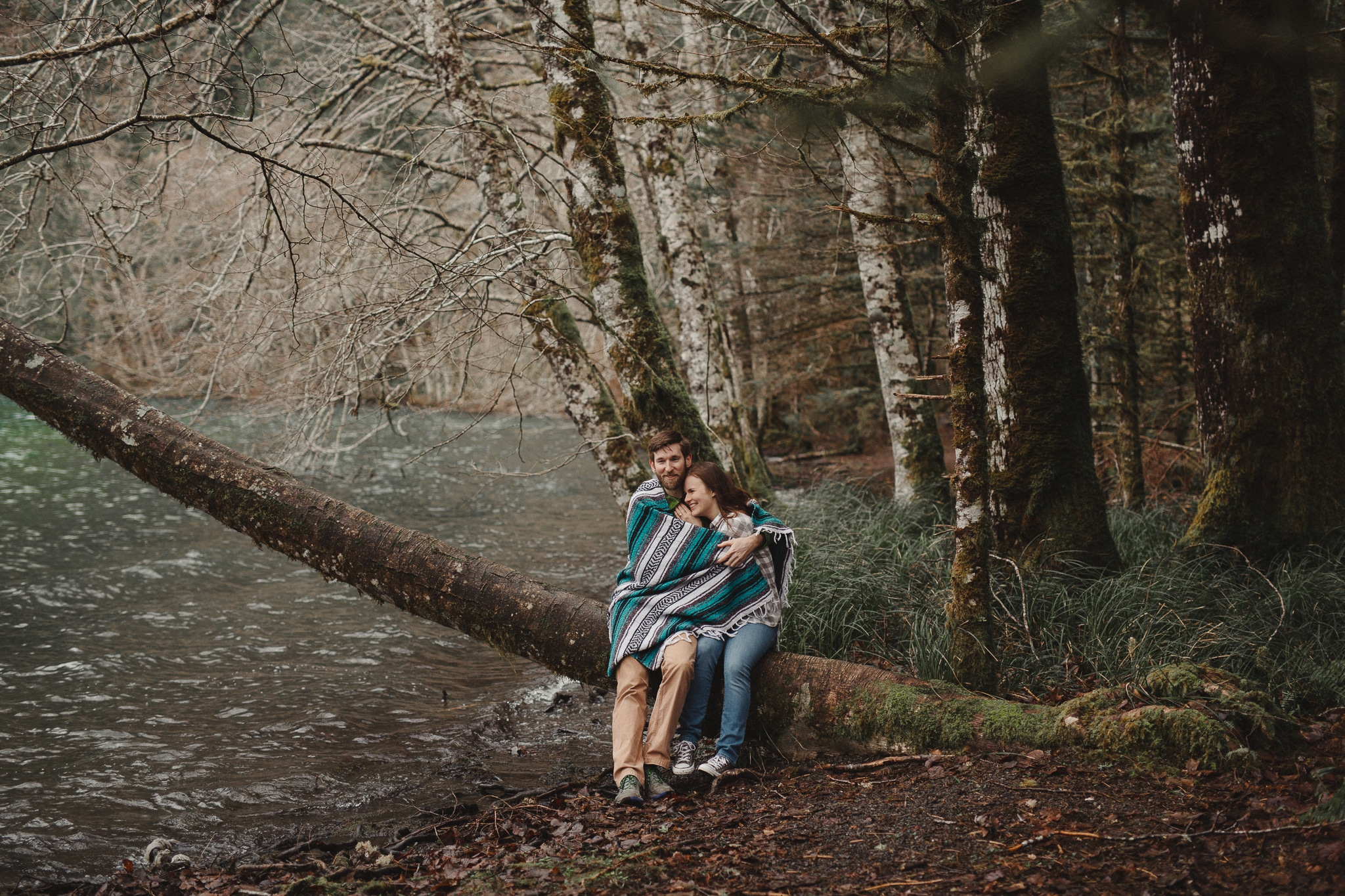 lake-crescent-olympic-peninsula-national-park-engagement-session-kim-butler