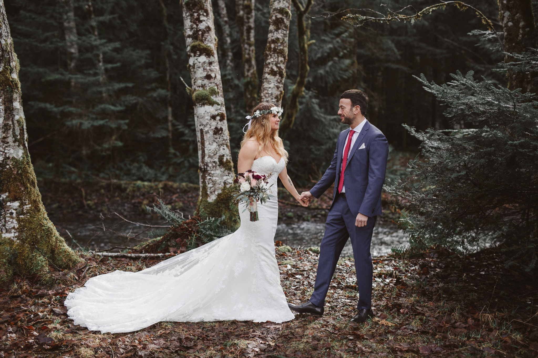 sweet-lake-crescent-lodge-winter-elopement-olympic-national-park-kim-butler-photography