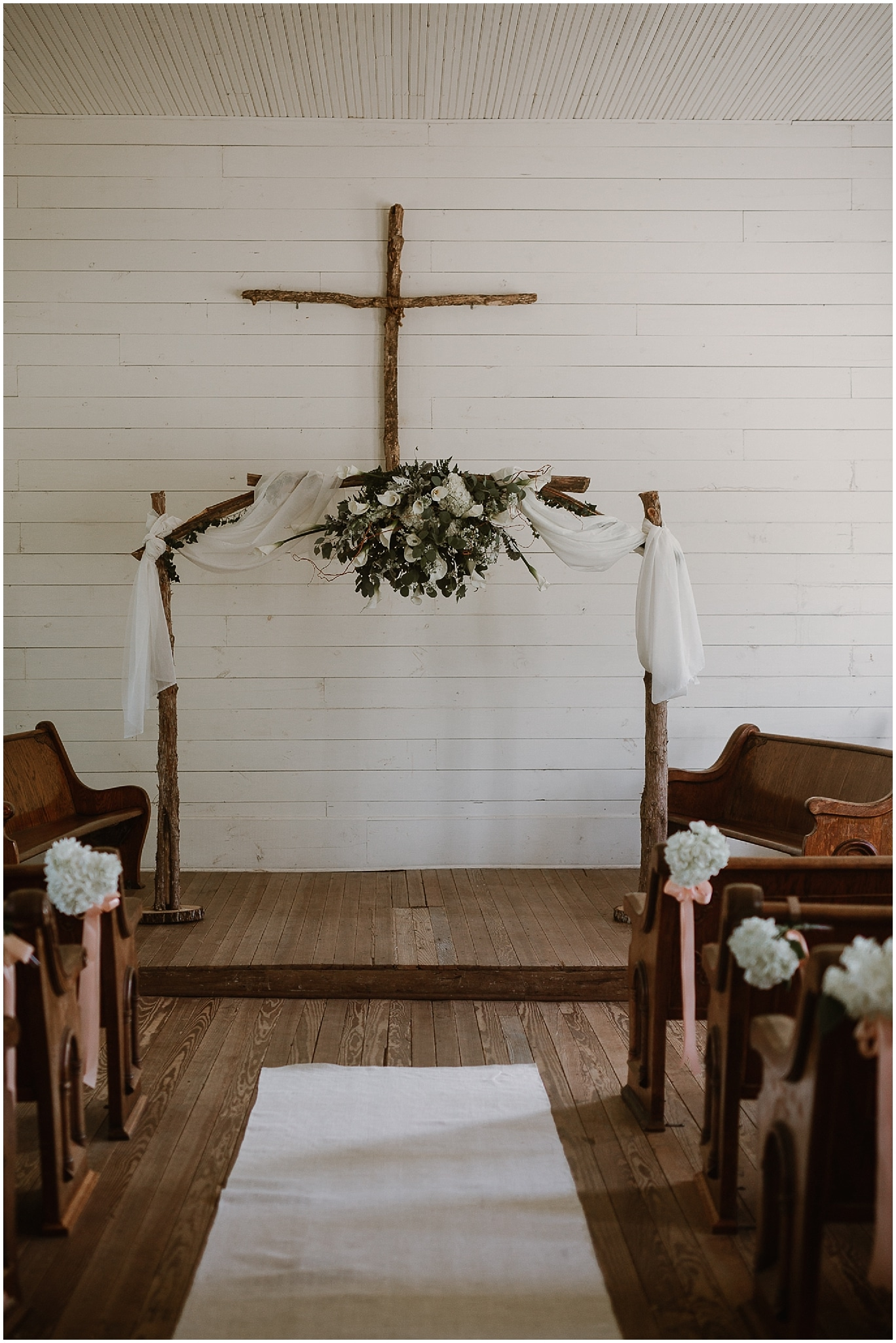 rustic destination wedding in ennis texas ceremony