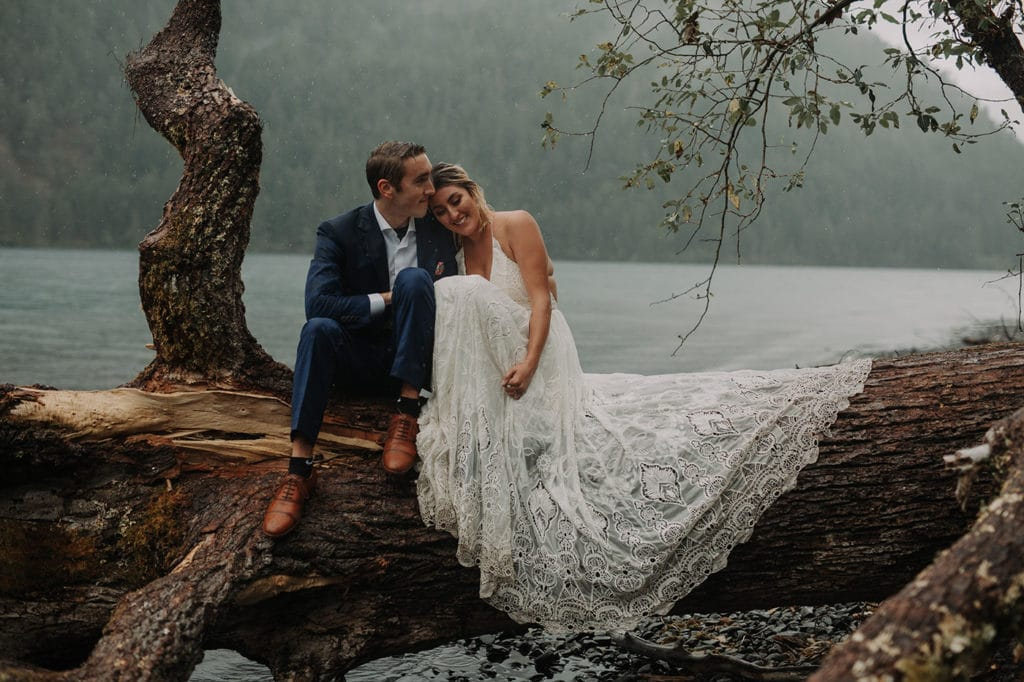 A Lake Crescent Wedding That is Moody and Spectacular